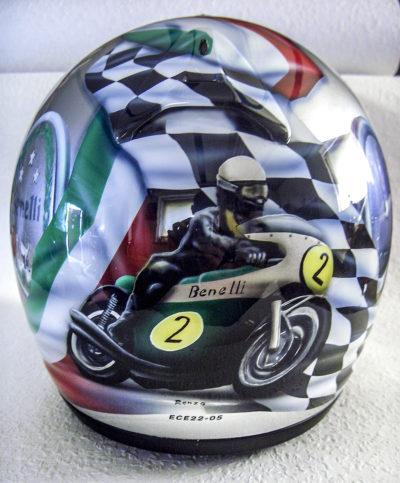 Motorradhelm Benelli